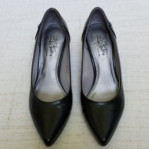 LIFE STRIDE Black Tess Heels